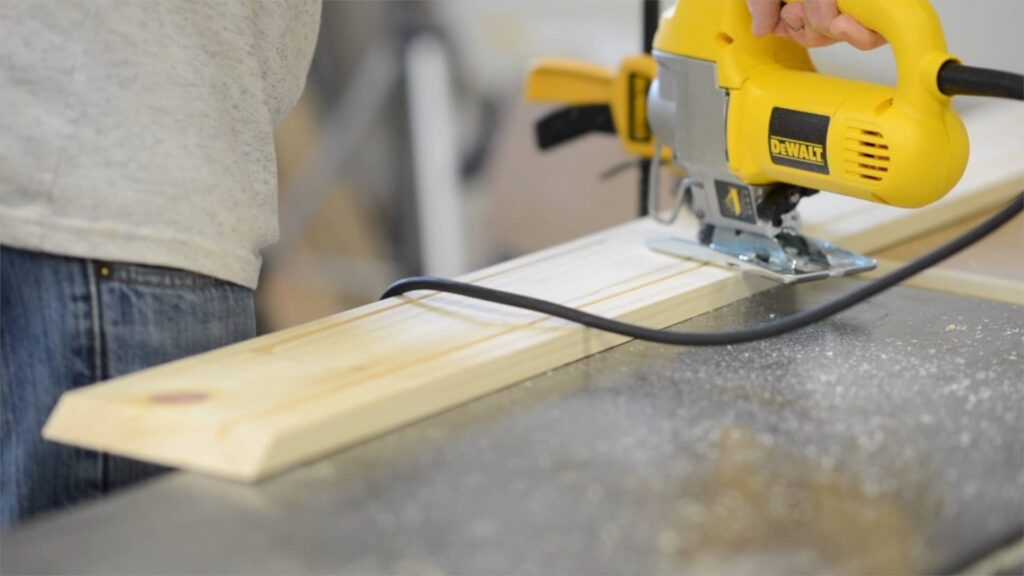 cutting a drawer opening with the jigsaw