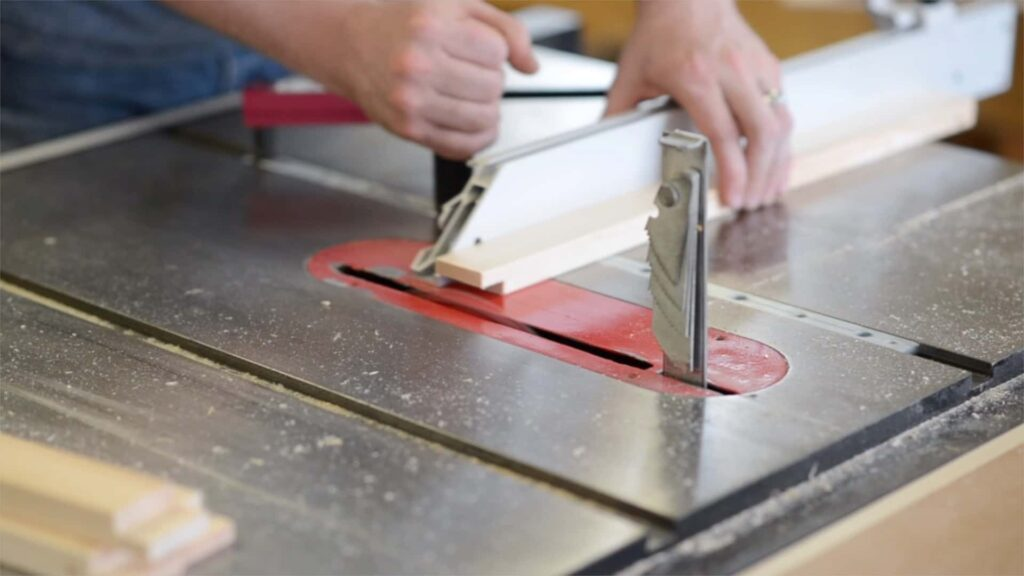 cutting rabbets on the table saw